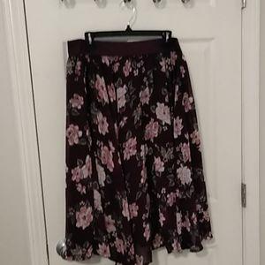 Torrid burgundy floral skirt worn once